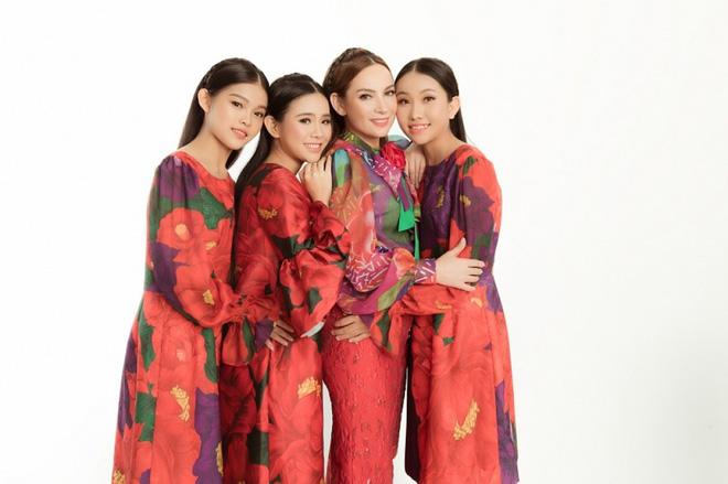 1001 chuyện con nuôi trong showbiz: Phi Nhung gặp liên hoàn biến, Hoài Linh nghi cạch mặt Hoài Lâm đến nay vẫn chưa xoá bỏ  - Ảnh 5.