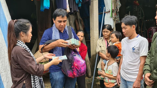 Chiếc ba lô MC Quyền Linh đựng 2,2 tỷ tiền từ thiện hóa ra là đồ cũ của cô con gái Lọ Lem đây mà! - ảnh 4