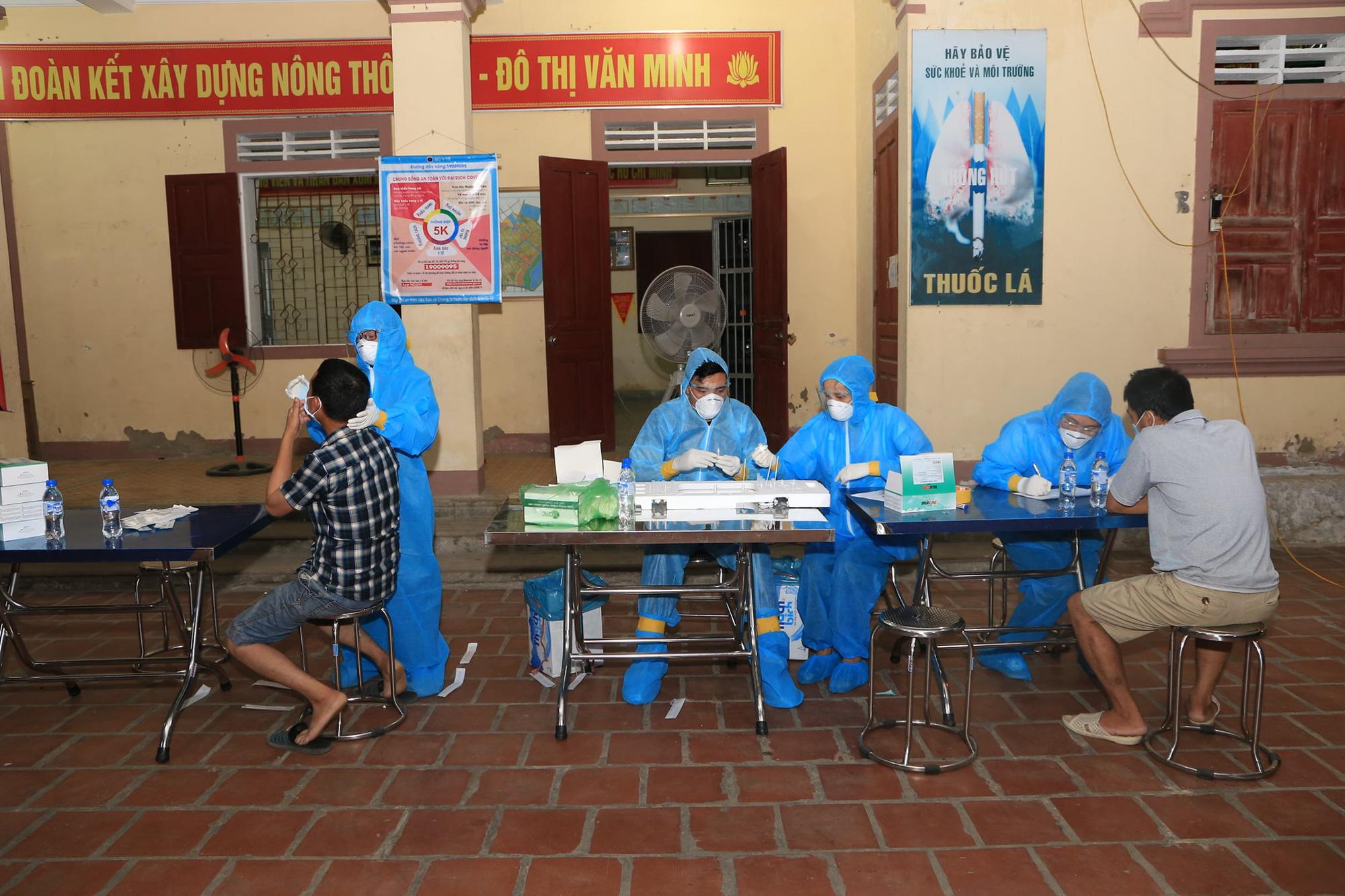 [ẢNH] Nghệ An test Covid-19 diện rộng cho nửa triệu dân, đêm đầu tiên có 8 mẫu nghi nhiễm - Ảnh 6.