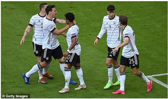 Ronaldo lập công, Bồ Đào Nha vẫn bị Đức dồn vào hiểm cảnh sau màn đại bại thảm thương - Ảnh 2.