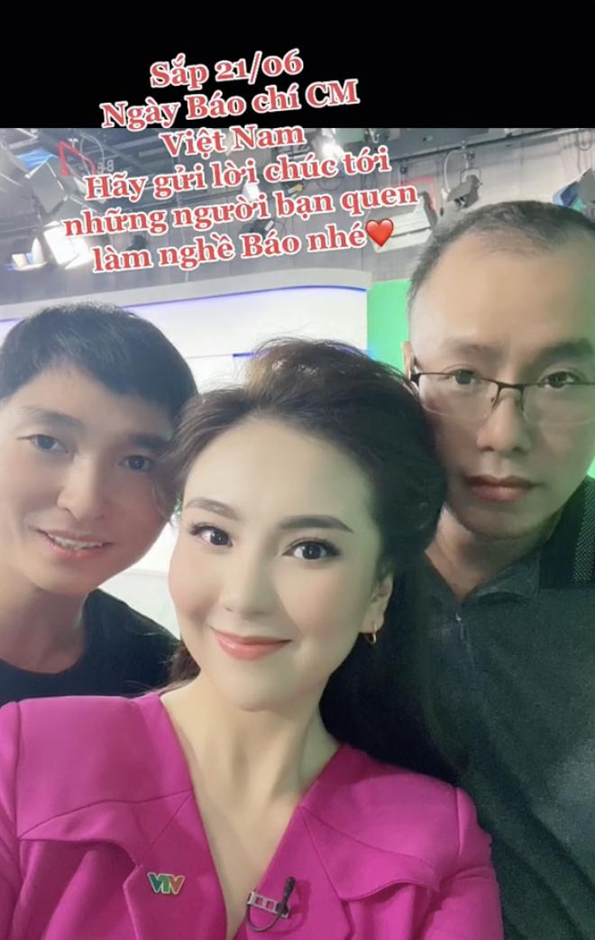 MC đẹp nhất VTV khoe hậu trường sống ảo ở studio của nhà đài, 1 chiếc phụ kiện rẻ tiền bất ngờ gây chú ý! - Ảnh 5.