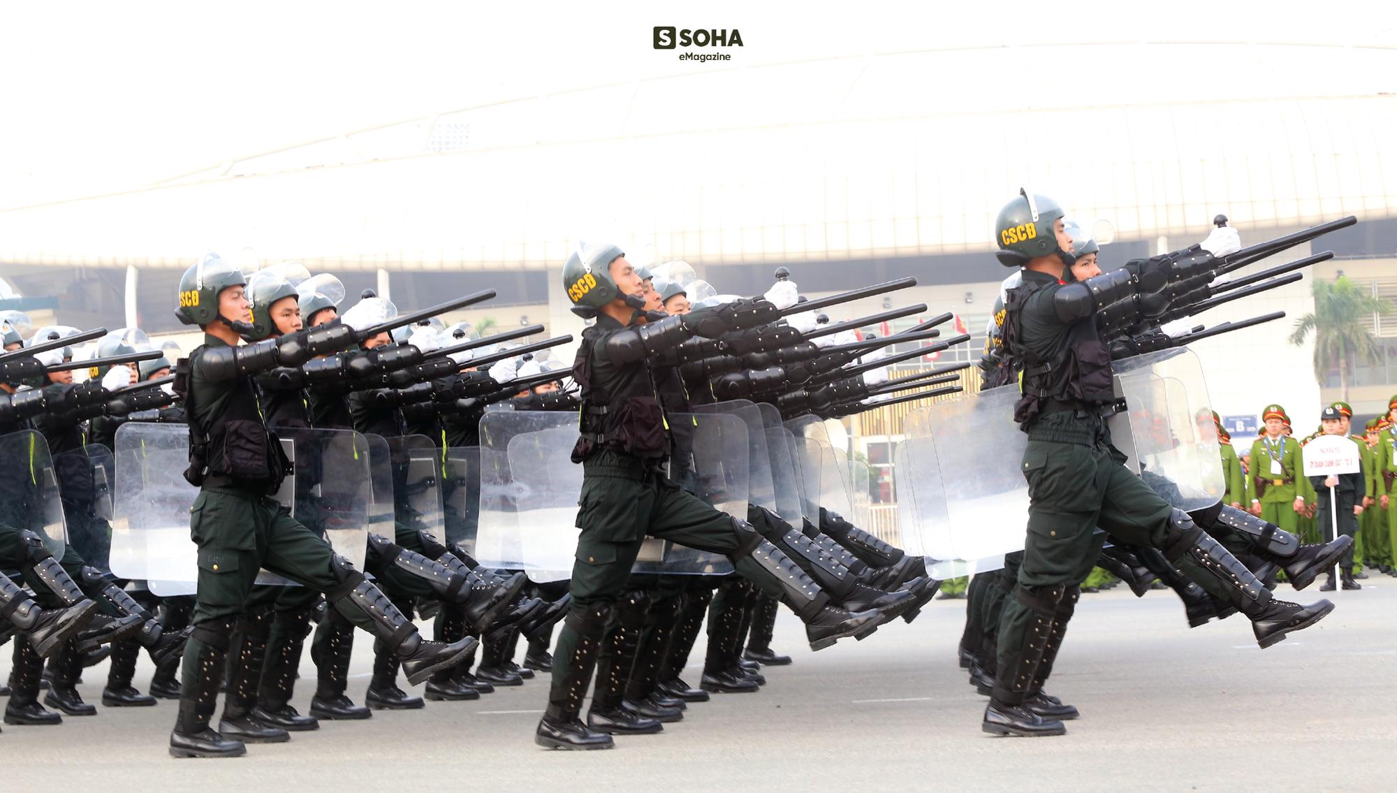 """Trung tướng Phạm Quốc Cương: """"Cảnh sát cơ động sẽ được trang bị máy bay, tàu thủy"""" - Ảnh 8."""