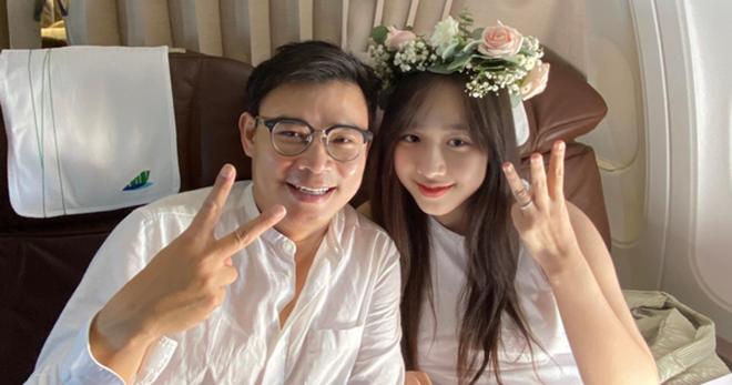 Nhan sắc thời chưa nổi tiếng của mỹ nhân VTV Hà My được triệu phú công nghệ, lớn hơn 16 tuổi cầu hôn - Ảnh 1.
