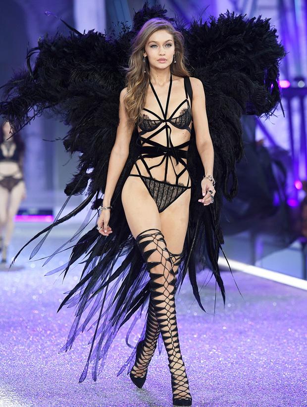 5 lí do đế chế nội y Victorias Secret sụp đổ: Buôn bán và tiếp thị tình dục, phân biệt phụ nữ, thiên vị chị em Gigi và Kendall? - Ảnh 11.