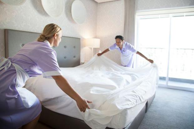 Nhân viên khách sạn 5 sao cảnh báo: Những thứ siêu bẩn bạn nên tránh xa, khách hàng dù ở phòng hạng sang cũng phải lưu tâm - Ảnh 4.