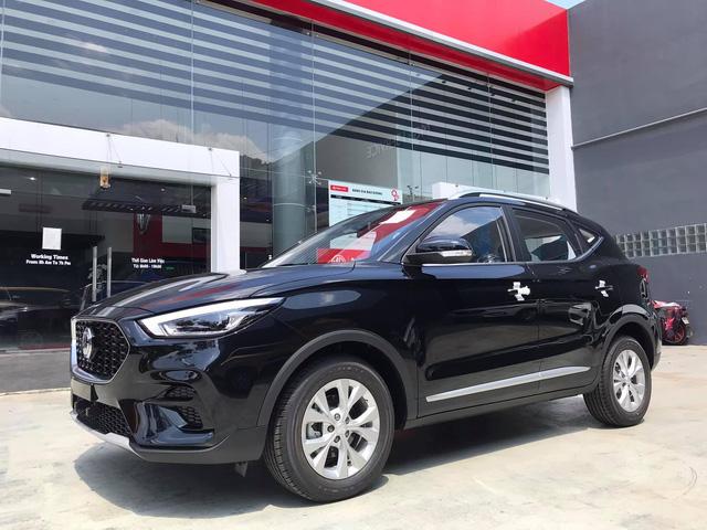 MG ZS 2021 lần đầu giảm giá: Bản tiêu chuẩn chỉ từ 504 triệu, lấy giá rẻ cạnh tranh Hyundai Kona, Kia Seltos - Ảnh 4.