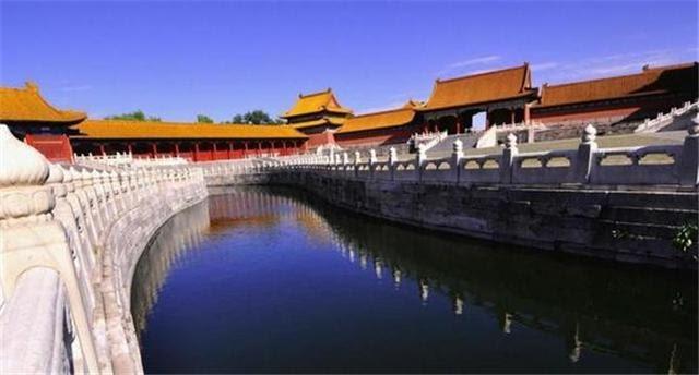 Có một con mãng xà dài nghìn mét quanh Tử Cấm Thành: Là hộ mệnh của hoàng đế, hiện đã 612 tuổi - Ảnh 2.