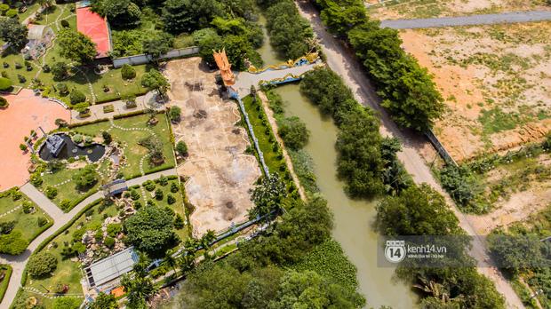 Toàn cảnh Nhà thờ Tổ 100 tỷ của NS Hoài Linh: Trải dài 7000m2, nội thất hoành tráng sơn son thếp vàng, nuôi động vật quý hiếm - Ảnh 2.