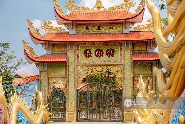 Toàn cảnh Nhà thờ Tổ 100 tỷ của NS Hoài Linh: Trải dài 7000m2, nội thất hoành tráng sơn son thếp vàng, nuôi động vật quý hiếm - Ảnh 8.