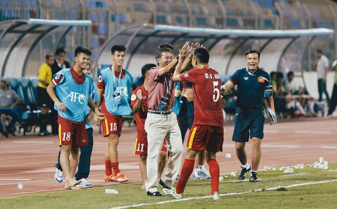 Thầy Park ăn đời ở kiếp với bóng đá Việt Nam: Nhảy vào lò mới biết lửa nóng đến đâu - Ảnh 3.