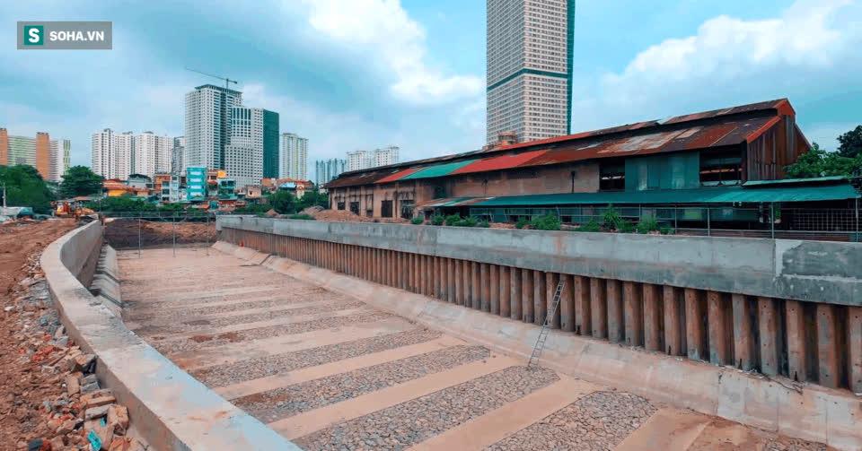Đại dự án 7.000 tỷ đồng chống ngập cho 6 quận huyện phía Tây TP Hà Nội chậm tiến độ, ngập ngụa trong rác - Ảnh 3.
