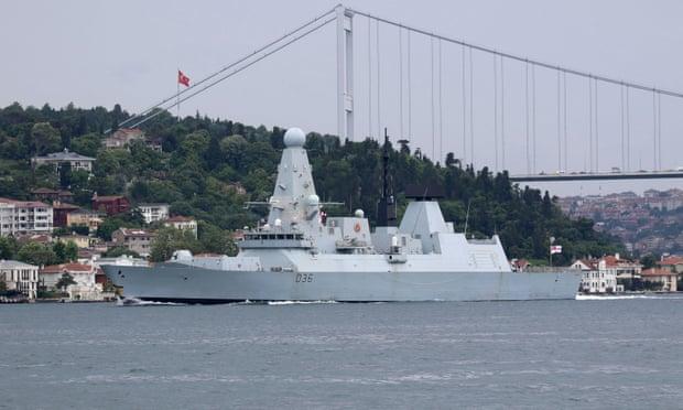 Đụng độ Nga-Anh trên Biển Đen: Su-30SM xuất kích, tàu chiến Anh vội vã thoát ly - Thế giới hỗn loạn, TT Putin khẳng định nghiêm trọng - Ảnh 2.