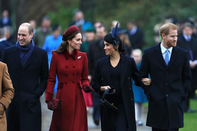 Hé lộ sự thật chua chát sau khoảnh khắc Harry cùng vợ chồng Công nương Kate trò chuyện ở tang lễ Hoàng tế Philip - ảnh 4