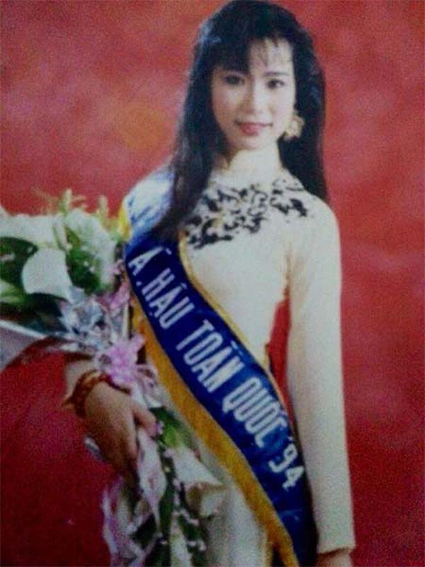 27 năm sau ngày giành ngôi Á hậu 2, Trịnh Kim Chi giờ vừa nổi tiếng vừa viên mãn bên chồng đại gia - Ảnh 1.