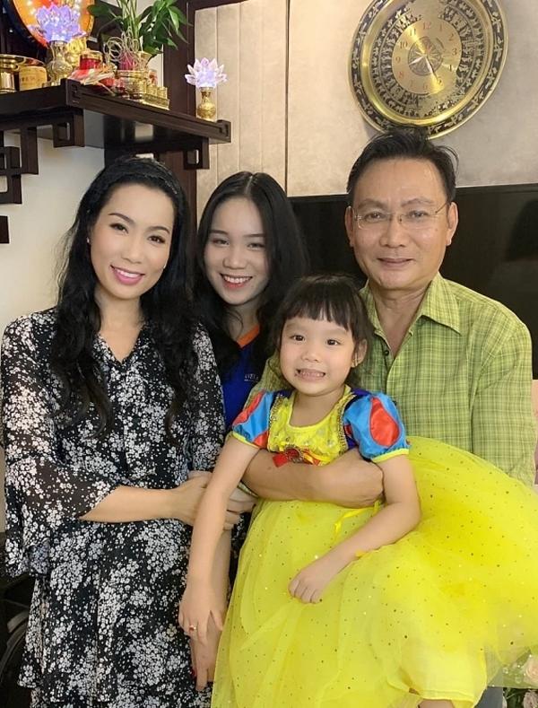 27 năm sau ngày giành ngôi Á hậu 2, Trịnh Kim Chi giờ vừa nổi tiếng vừa viên mãn bên chồng đại gia - Ảnh 4.