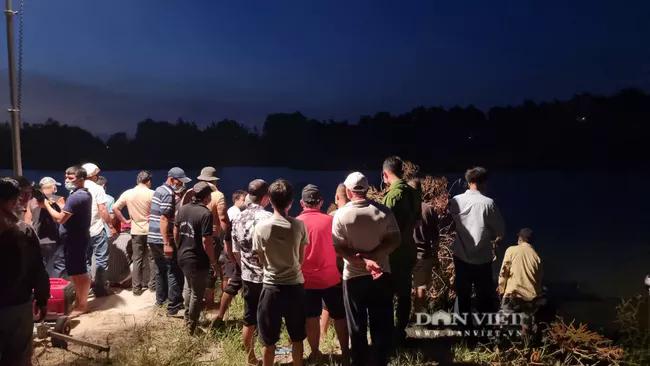 Bà Rịa – Vũng Tàu: Lực lượng cứu nạn quần thảo trong đêm vớt 3 thi thể gặp nạn do lật ghe - Ảnh 3.