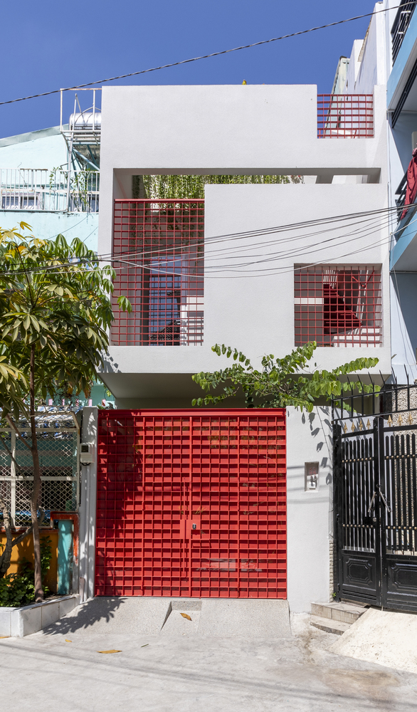 Tp.HCM: Ngôi nhà 40 năm tuổi tồi tàn, chắp vá đẹp lạ sau khi được cải tạo - Ảnh 2.