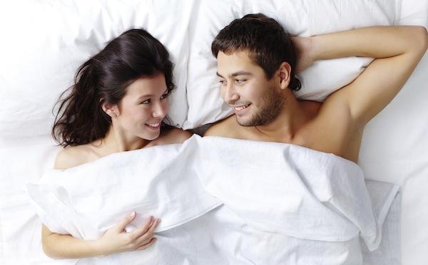 """Ngày càng nhiều người trẻ thích quan hệ tình dục bằng miệng: BS """"mách nước"""" 2 cách giảm nguy cơ lây nhiễm HPV và ung thư"""