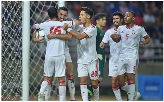 Đội nhà đè bẹp Malaysia, báo UAE liền vẽ ra kịch bản đáng lo cho tuyển Việt Nam - Ảnh 1.