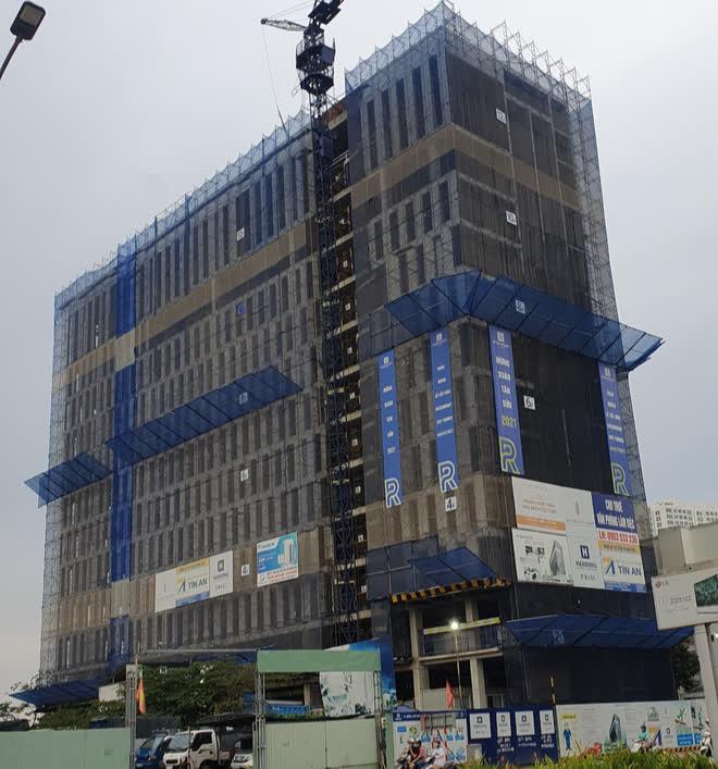 Chủ đầu tư dự án The Summit Building Đà Nẵng bị phạt 150 triệu đồng vì xây dựng sai phép - Ảnh 1.