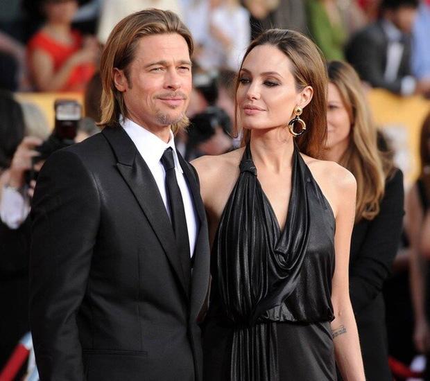 Angelina Jolie tổ chức sinh nhật tuổi 46 cùng 6 người con, cặp sinh đôi chiếm trọn spotlight của mẹ luôn rồi! - Ảnh 14.
