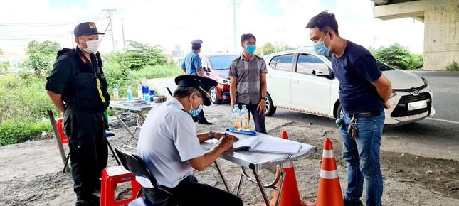 Phản ứng mới nhất của 2 tỉnh Tây Ninh, Long An về 'nguy cơ' lây nhiễm dịch bệnh từ TPHCM - Ảnh 4.