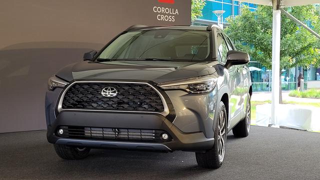460 triệu là đủ để người Mỹ mua Toyota Corolla Cross có ga tự động thích ứng, hỗ trợ giữ làn, cảnh báo va chạm - Ảnh 6.
