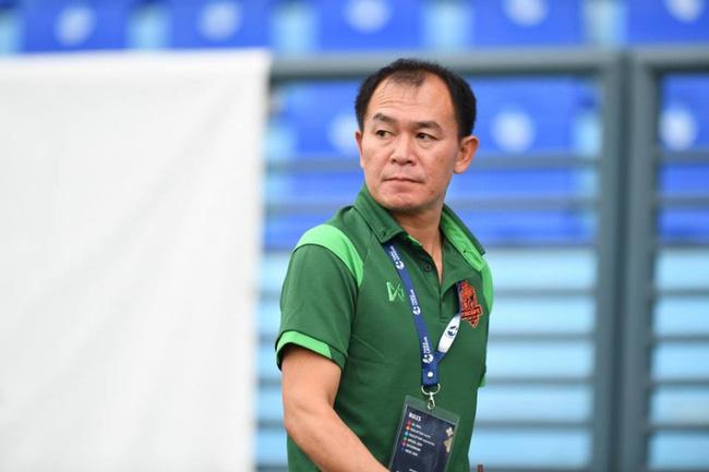 Hé lộ điểm đến của bạn cũ Kiatisuk, V.League sắp có thêm một HLV Thái Lan nữa? - Ảnh 1.