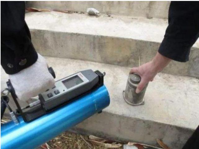 Người thợ xây nhặt được khối sắt nhỏ, về nhà bỗng buồn nôn: Mở đầu thảm họa phóng xạ chấn động TQ, tàn phá 150 cuộc đời! - Ảnh 4.