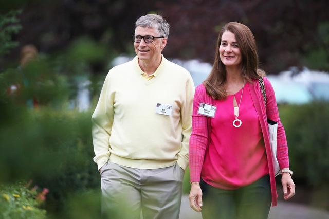 Tiết lộ sốc về nhân cách thực sự của Bill Gates: Đi làm bằng Mercedes nhưng lại lái Porsche chở nữ nhân viên đi họp bên ngoài công ty - Ảnh 1.