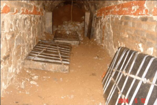 Tên trộm to gan phá tung lăng mộ nghìn tuổi, lấy trộm quan tài 27 tấn nhưng để lại một bức tranh mỹ nữ - Nàng là ai? - Ảnh 2.