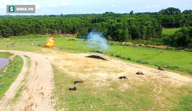 CSCĐ Kỵ binh: Sau hơn một năm huấn luyện, từ ngựa hoang đến những màn vượt rào, bổ nhào, phi nước đại bắn súng đỉnh cao - Ảnh 26.