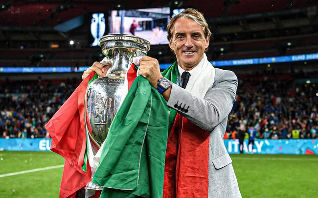Italia hay toàn diện, trong khi HLV Southgate lúng túng, ứng biến trận đấu không tốt - Ảnh 4.