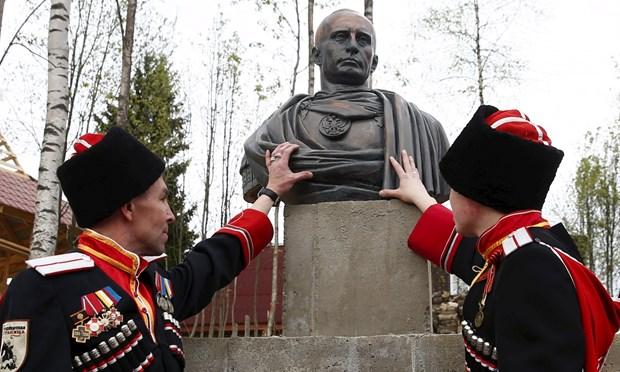 Ông Putin lại ra đòn hiểm: Hồi sinh đạo quân Nga từng là nỗi ám ảnh của Châu Âu? - Ảnh 1.