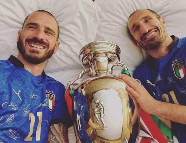 Đương kim vô địch châu Âu rước cúp về Italia: Mọi ngả đường đều dẫn tới thành Rome - Ảnh 6.