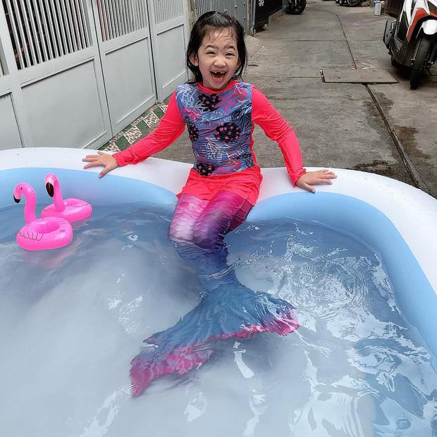 Con gái cố diễn viên Mai Phương nay lớn thấy rõ, xem cuộc đối thoại giữa Phùng Ngọc Huy và bảo mẫu là biết bé sống thế nào - Ảnh 1.