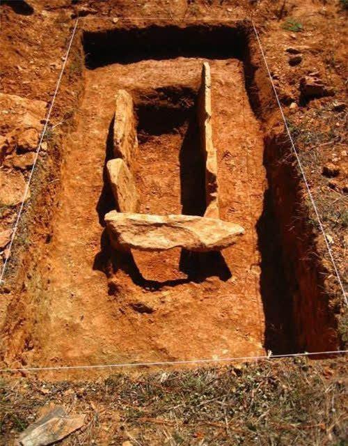 Tào Tháo chỉ huy cướp 30 hòm chứa vàng bạc, mở ra nạn trộm mộ đầy nhức nhối: Vậy làm sao mộ tặc nhìn ra mộ chứa kho báu? - Ảnh 3.