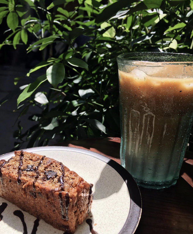 Quán cà phê tại Hà Nội khó khăn tới mức phải bán lại từng chiếc cốc với giá 8k khiến dân mạng xôn xao, tuy nhiên sự thật là gì? - Ảnh 2.