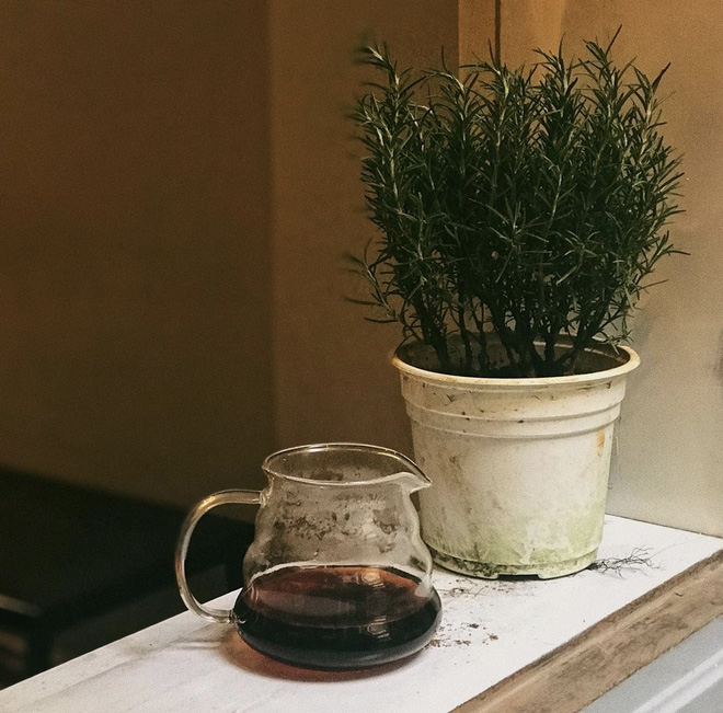 Quán cà phê tại Hà Nội khó khăn tới mức phải bán lại từng chiếc cốc với giá 8k khiến dân mạng xôn xao, tuy nhiên sự thật là gì? - Ảnh 4.