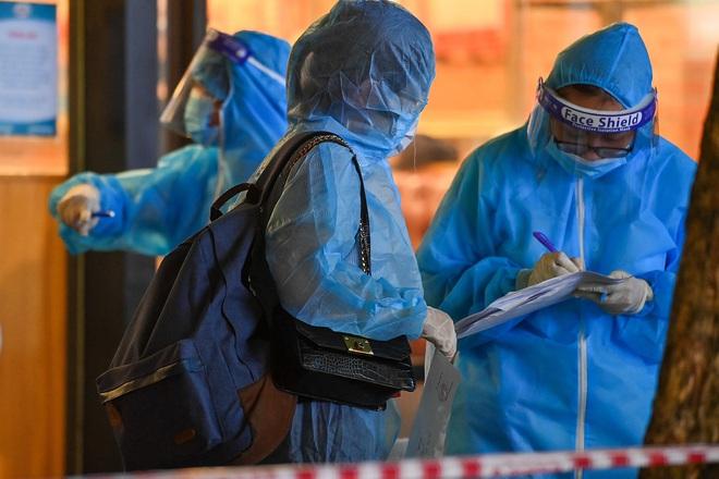 Bộ Y tế thông tin về 18 ca tử vong do COVID-19 từ ngày 8-14/7. Ca mắc COVID-19 đến Bộ Công Thương, một số cán bộ thành F1, F2 - Ảnh 2.