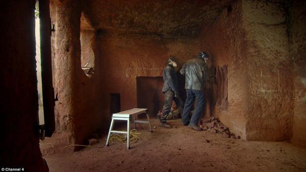 Chi 5 tỷ đồng mua hang động 250 triệu năm tuổi làm nhà ở, người đàn ông bị chê gàn dở nhưng bước vào bên trong ai cũng choáng - Ảnh 7.