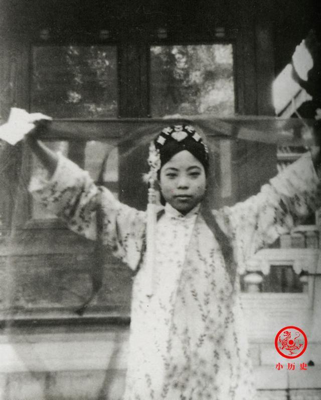 Phi tần kém sắc dám ly hôn hoàng đế Trung Quốc, cuối đời túng quẫn phải bán hàng rong kiếm sống - Ảnh 5.