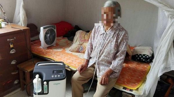 Người dân TP HCM đổ xô đi mua máy tạo oxy, bác sĩ thốt lên: Bị Covid-19 mà dám thở oxy tại nhà thì tôi... khâm phục! - Ảnh 1.