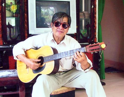 Phi Nhung: Bầu show xin cho tôi được hát 3 bài thôi nhưng không ai chịu - Ảnh 1.