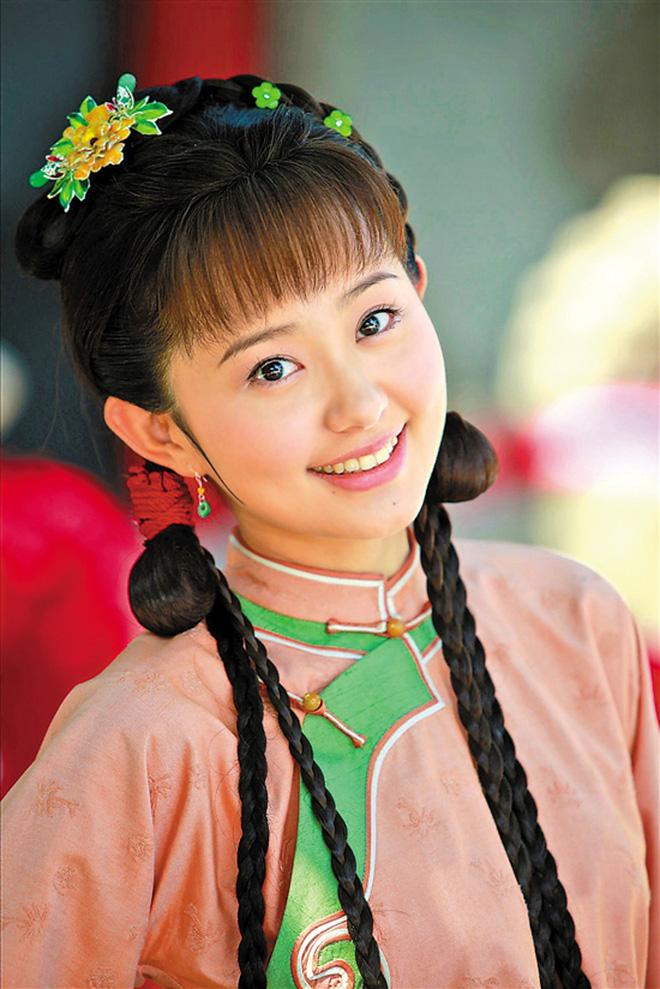 Ngỡ ngàng trước nhan sắc thăng hạng của nàng Kim Tỏa được Quỳnh Dao ca ngợi hơn Phạm Băng Băng - Ảnh 2.