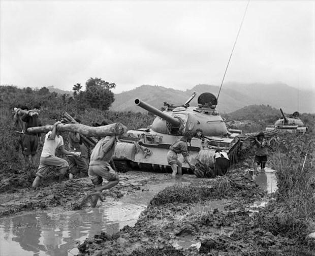 Xe tăng Việt Nam và trận đánh đẫm máu với chiến thuật Trâu rừng của tướng Abrams - Ảnh 2.