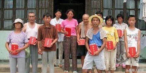 4 em học sinh tiểu học xuống ao làng chơi, nhặt được món đồ màu vàng: Hôm sau, cảnh sát ập đến! - Ảnh 6.