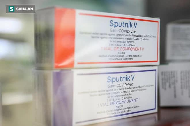 Ảnh: Mục sở thị toàn bộ quy trình đóng lọ vắc xin Sputnik V Nga tại Việt Nam - Ảnh 16.