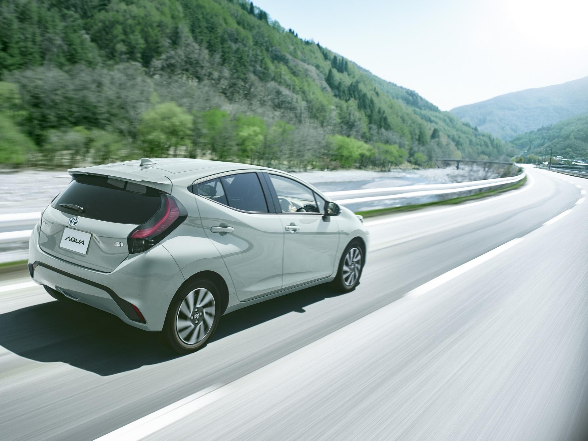 Toyota trang bị gì cho mẫu xe 400 triệu, uống ít xăng đáng kinh ngạc 2,79 lít/100 km? - Ảnh 3.