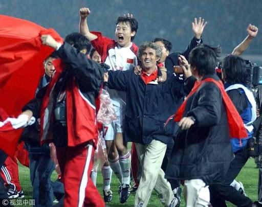 HLV dọa tự tử ở Vạn Lý Trường Thành, ĐT Trung Quốc đã giành vé dự World Cup như thế nào? - Ảnh 1.